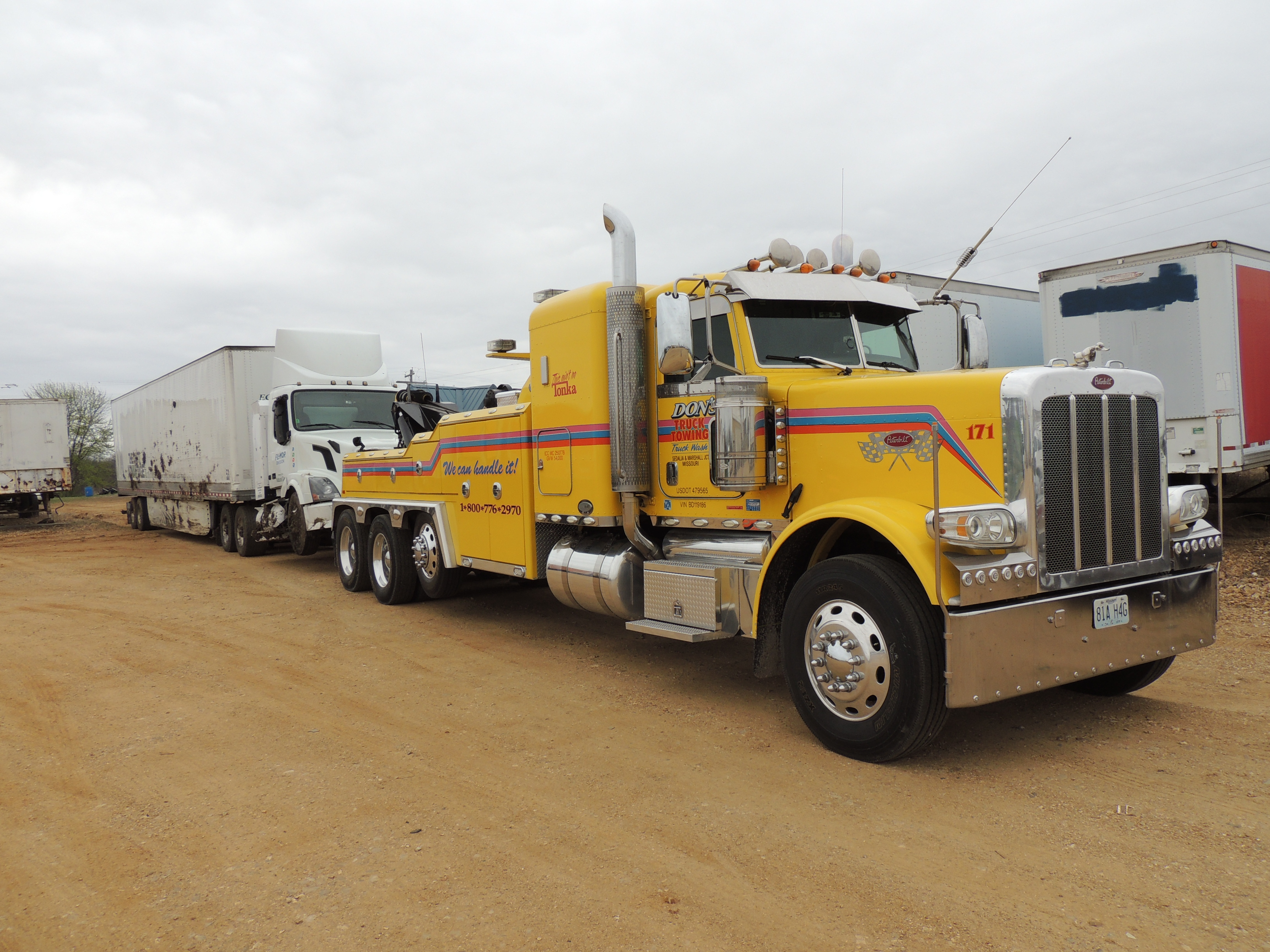 Don's Truck Towing & Truck Wash, Inc  - Services - Wreckers