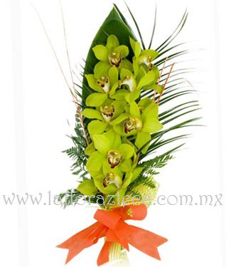 MD - 107  $1,280 Bouquet de Orquídeas Cimbidium