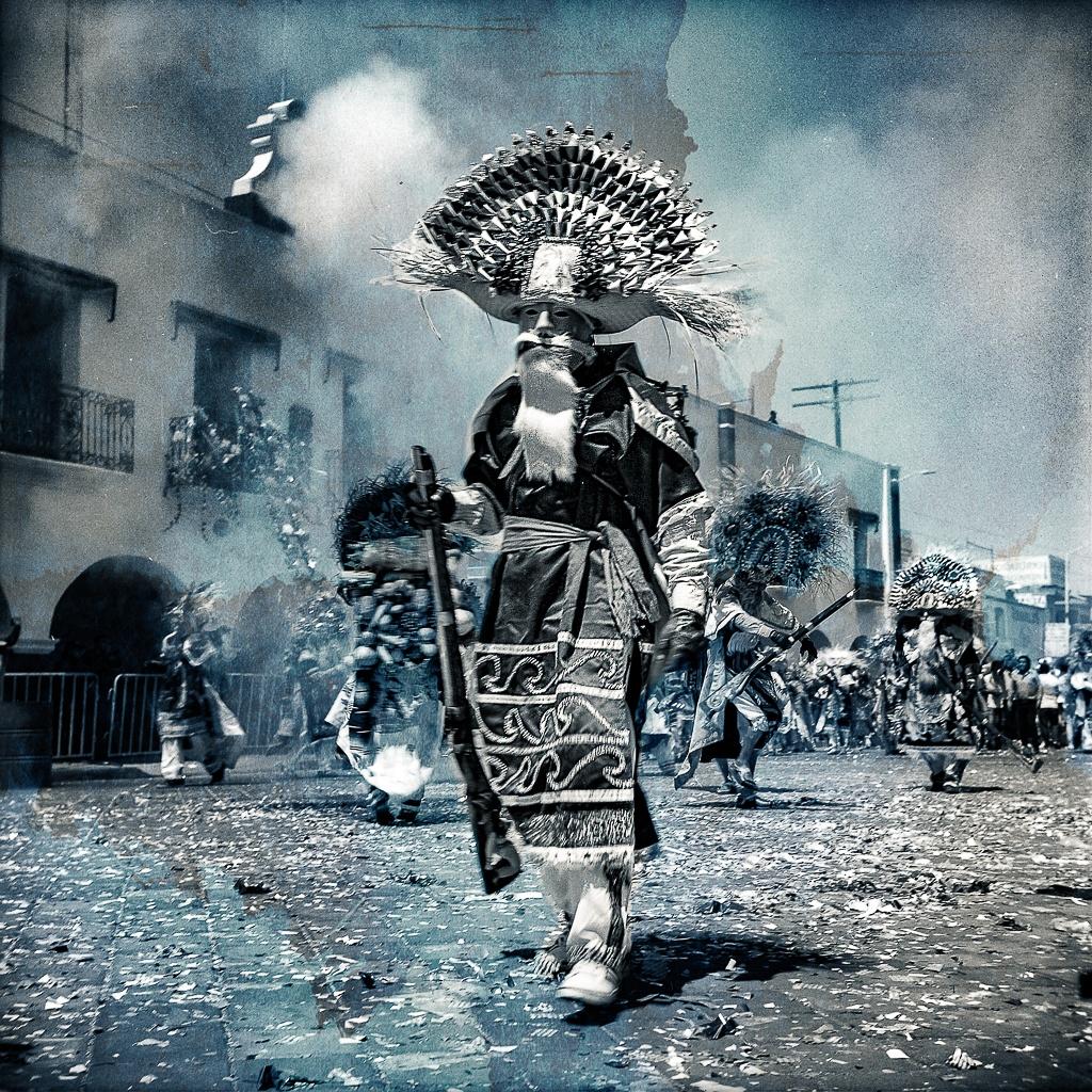 A-028 Serranos, 2017 Firmada y fechada Foto pintura Impresa en papel Algodón  40x40 / 60x60 / 90x90 Edición: 10 Con certificado de Autenticidad
