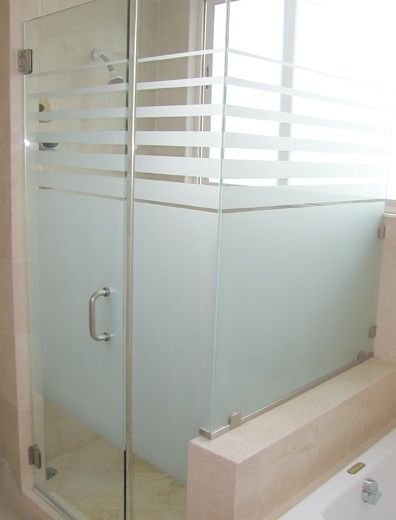 Frameless Enclosure w/ Privacy Stripes