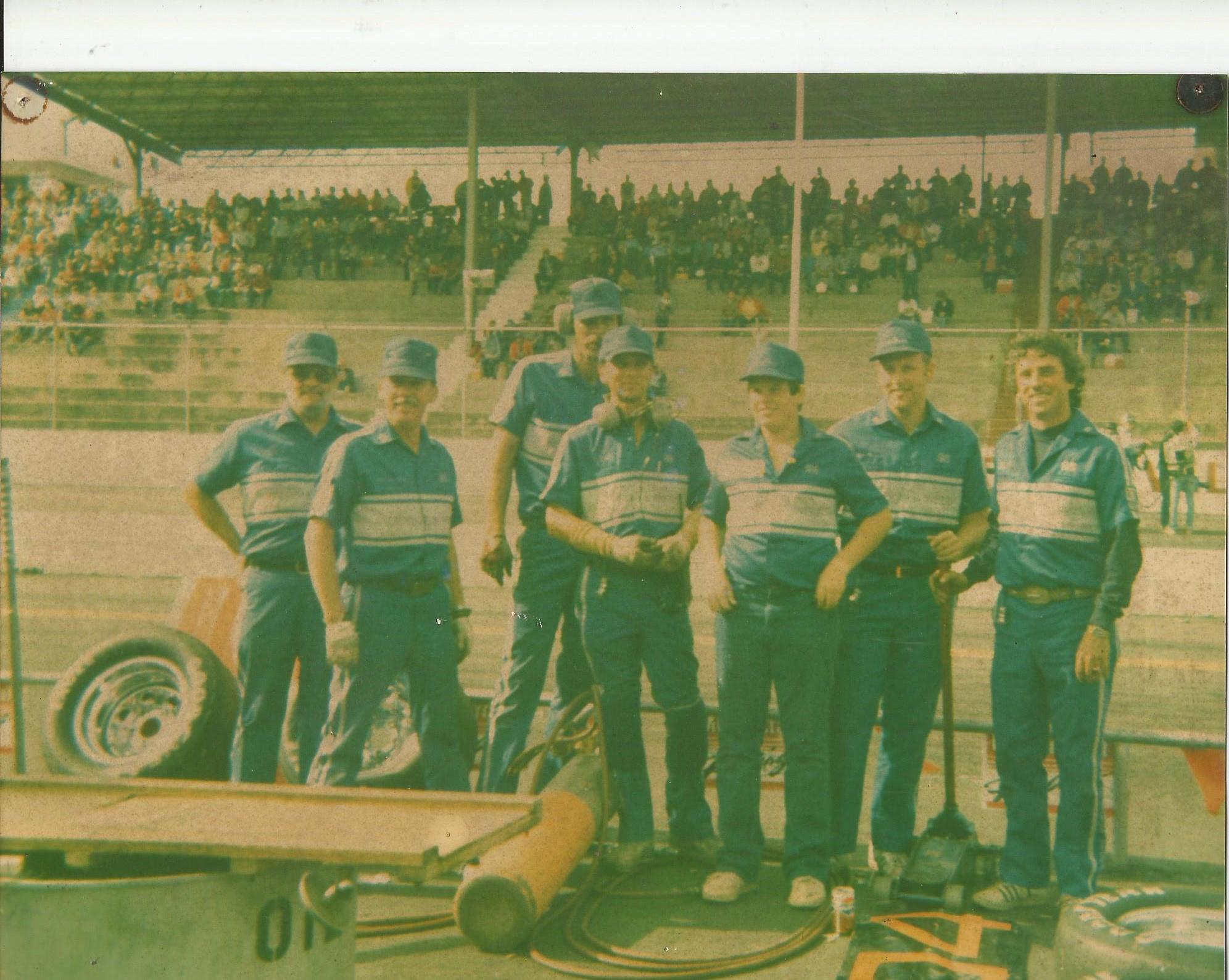 https://0201.nccdn.net/4_2/000/000/03f/ac7/Larry-AW-Racing-1992x1589.jpg