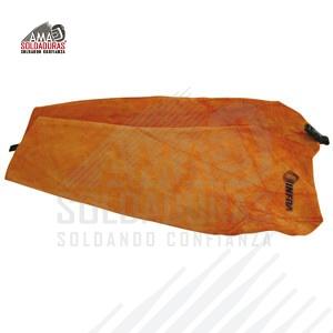 MANGAS Categoría: Carnaza Talla. Unitalla Descripción: Fabricados con carnaza gruesa y flexible, permiten la protección de partes vitales del soldador y su ropa contra salpique y escorias.