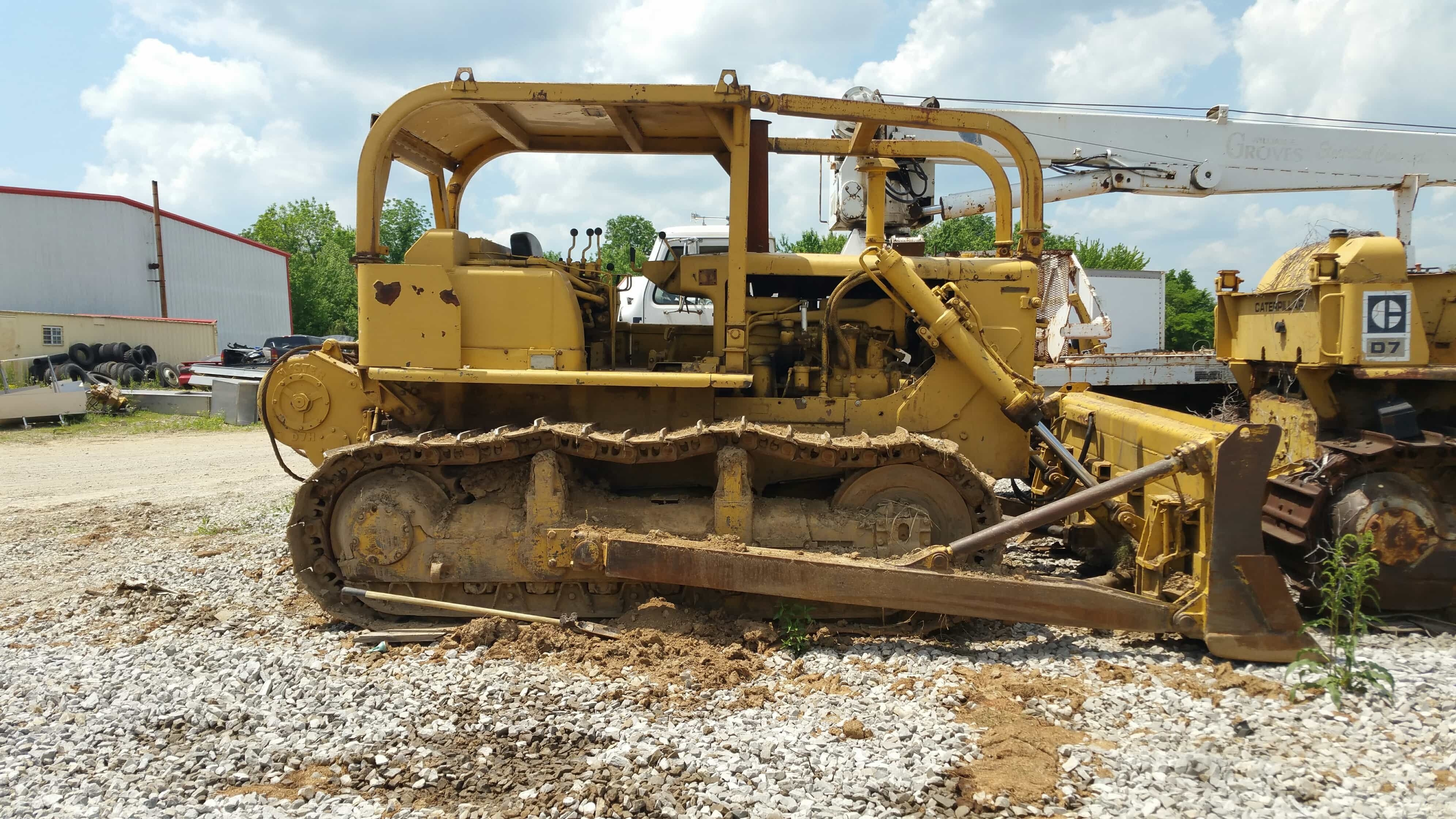 Cat D7E Track-Type Tractor 1