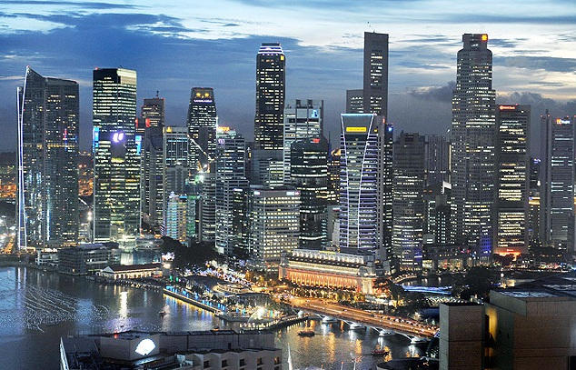 Sail At Marina Bay is located in the heart of the CBD, Marina Bay Serviced Apartments is your choice for corporate relocation and expats moving to Singapore