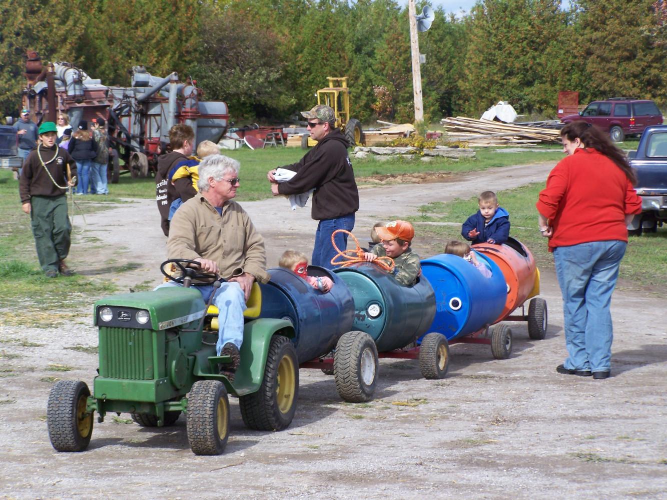 Tractor wagon rides, AP Fun Day 2009
