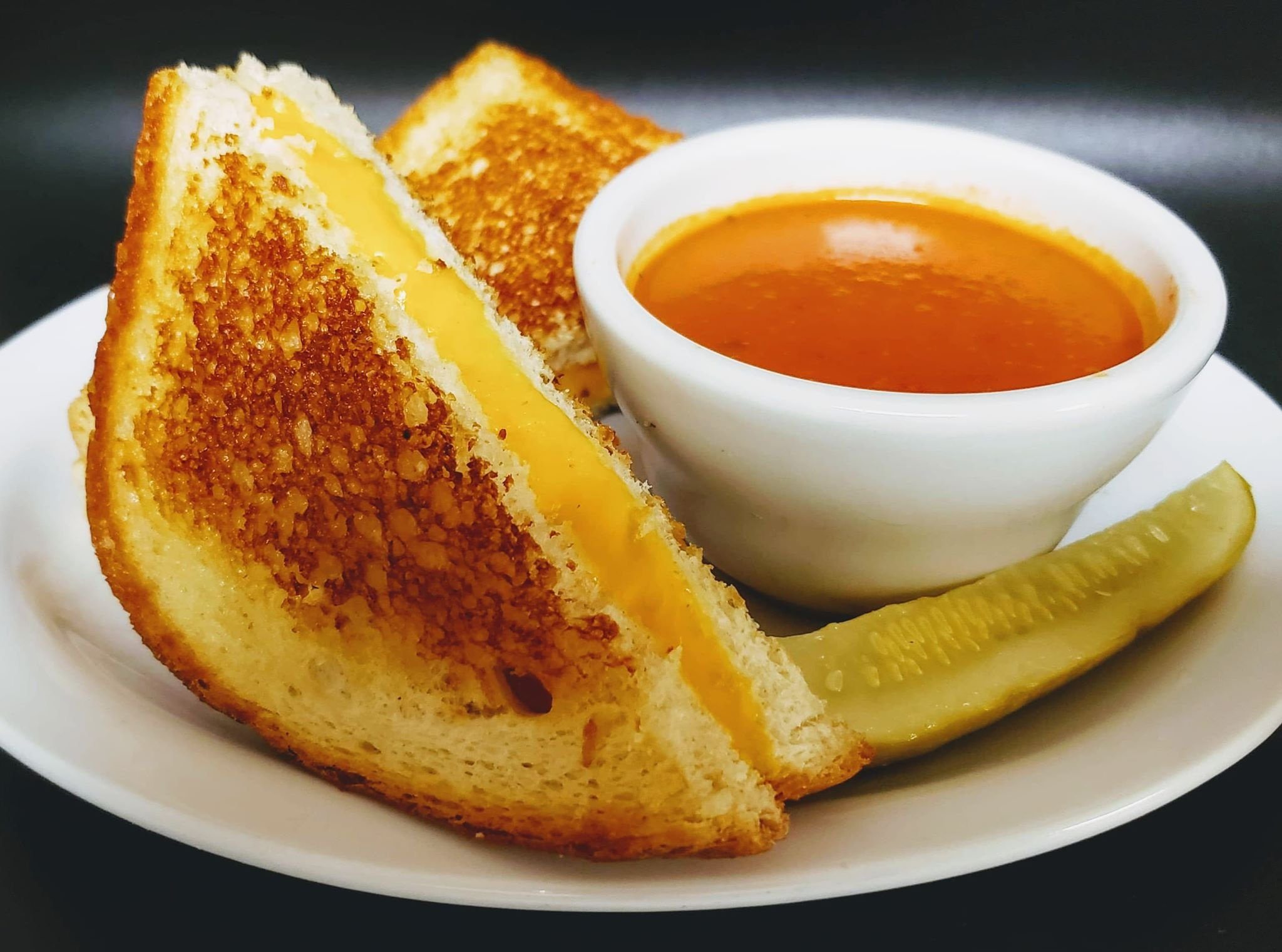 https://0201.nccdn.net/4_2/000/000/046/6ea/Grilled-Cheese-2048x1520.jpg