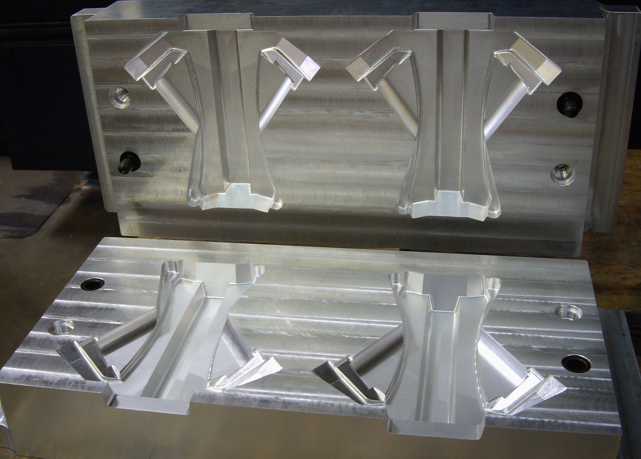 2 Cavities Aluminum Core Box