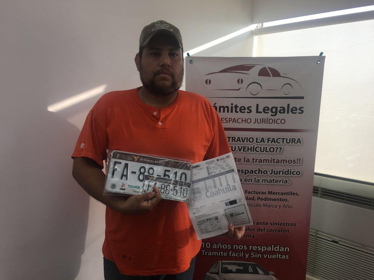 """""""Soy de Saltillo, Coahuila y pude tramitar placas a mi nombre, acá en mi Estado"""""""