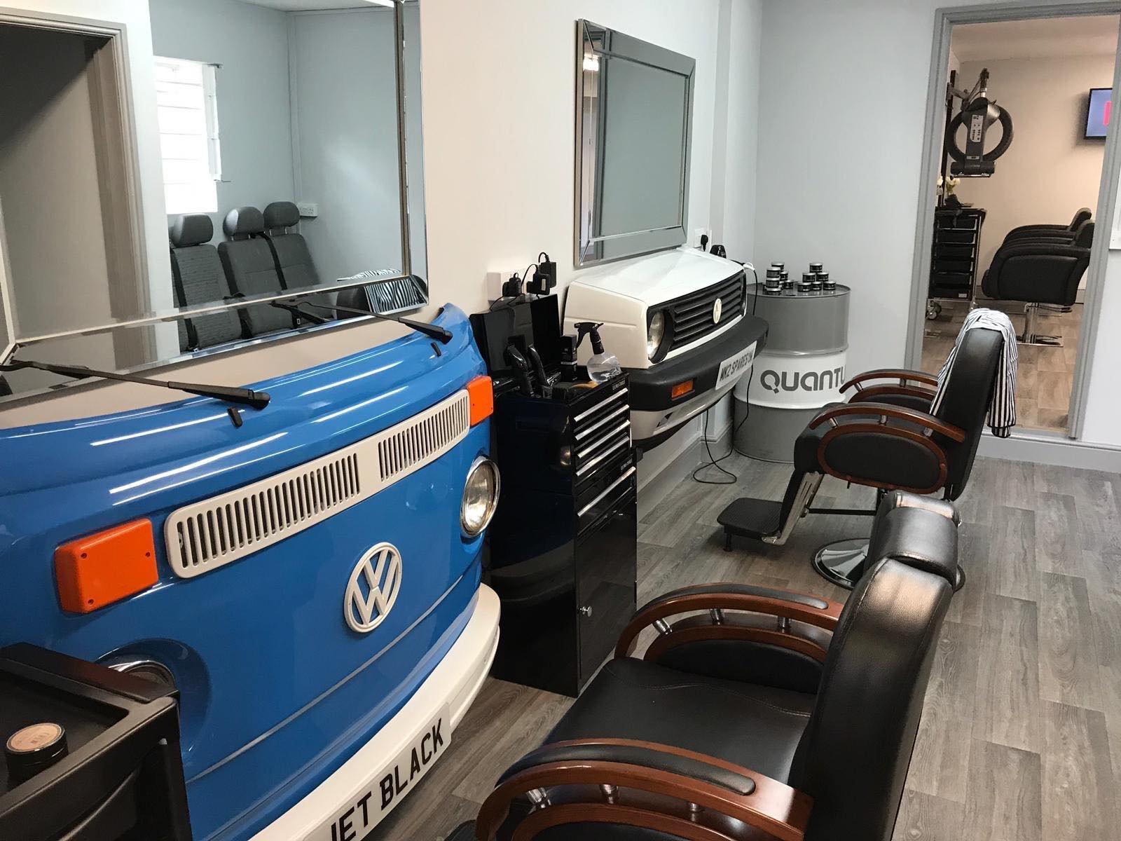 https://0201.nccdn.net/4_2/000/000/046/6ea/barbers-6-1600x1200.jpg