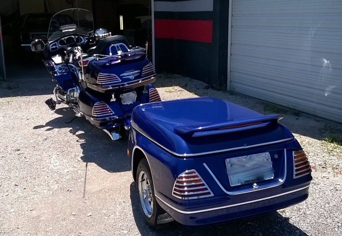 https://0201.nccdn.net/4_2/000/000/048/0a6/Honda-Goldwing-1087x750.jpg