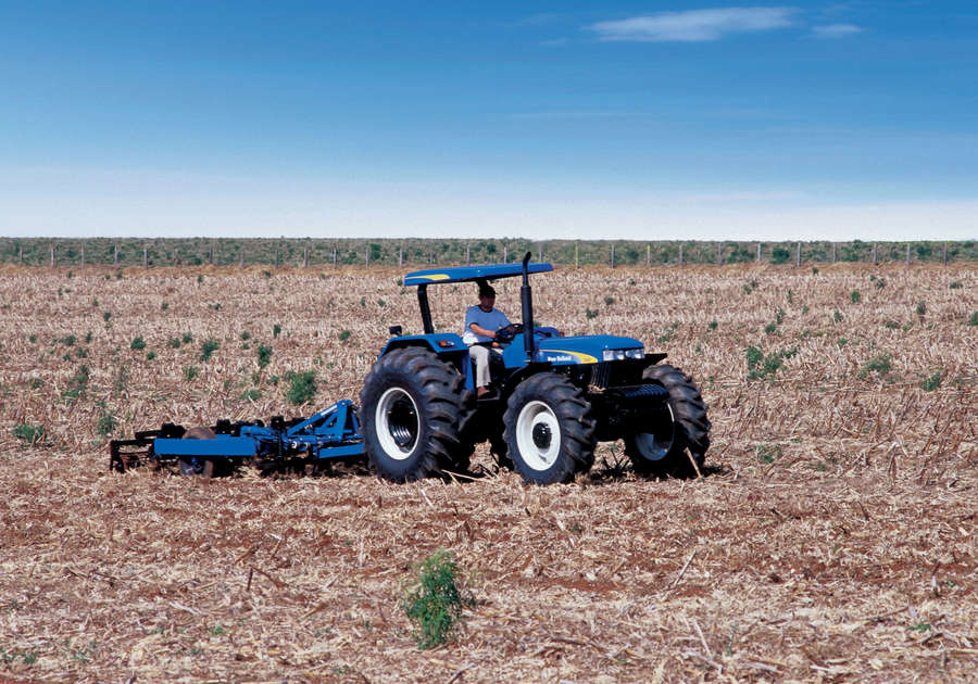 https://0201.nccdn.net/4_2/000/000/048/8e7/newholland-agriculture-tratores-serie30-20-900x630.jpg