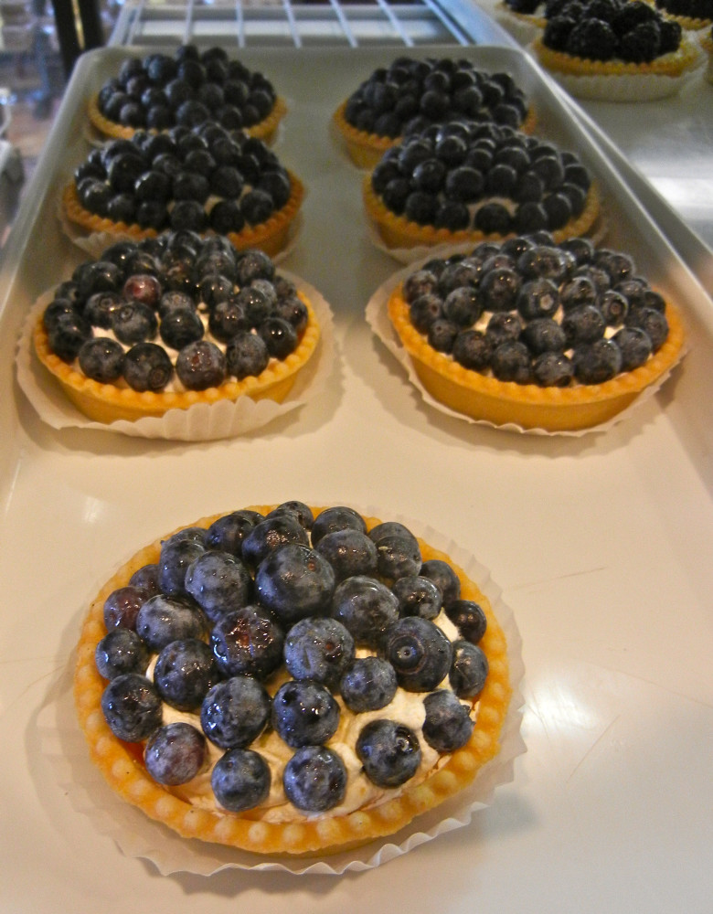 Blueberry Tart with Bavarian Cream