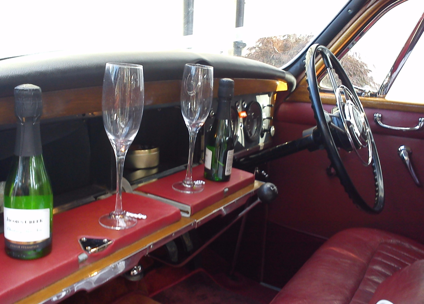 Rover P4 interior ... with complimentary fizz!
