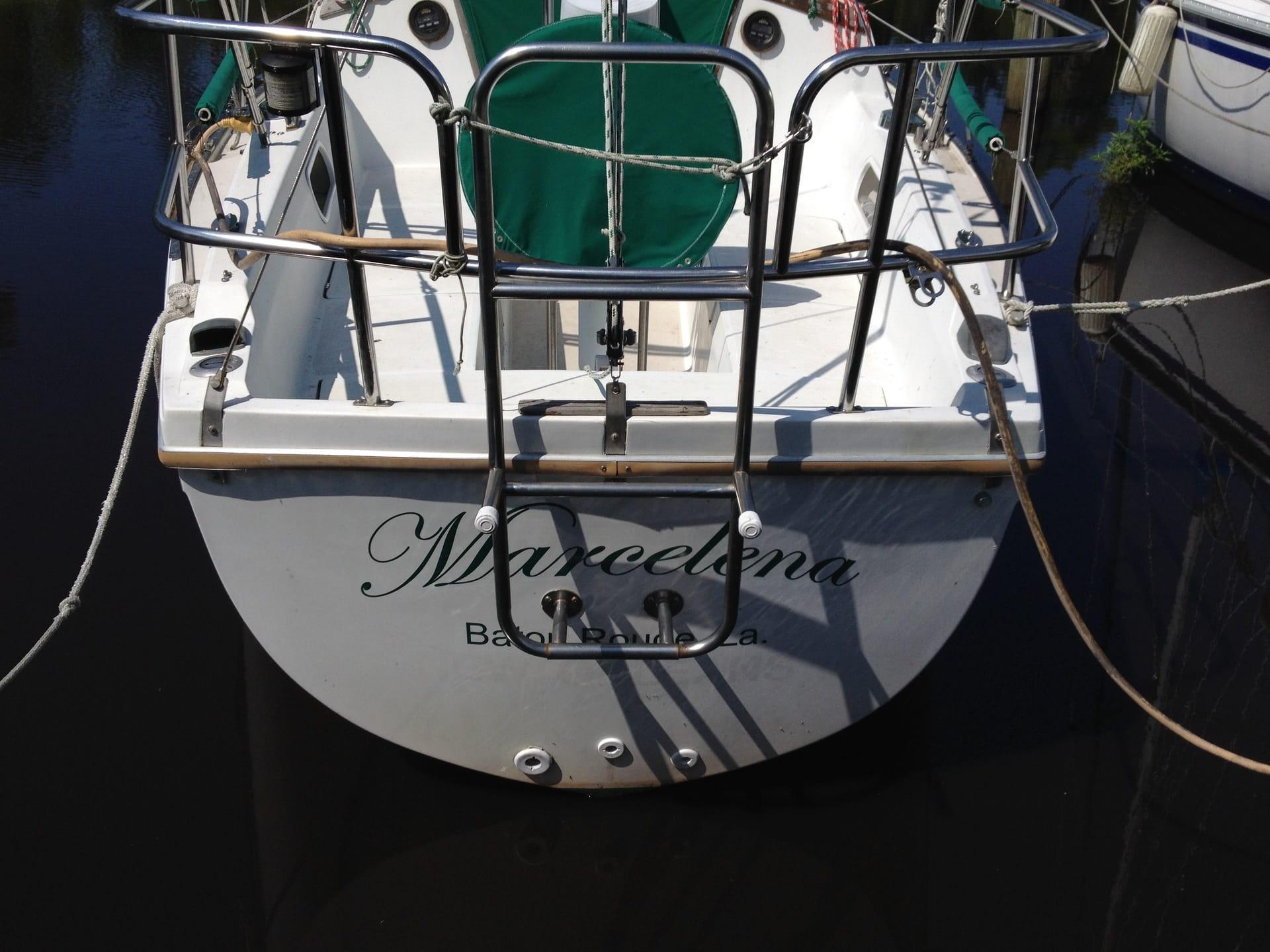 Marcelena Boat Lettering