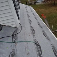 https://0201.nccdn.net/4_2/000/000/04b/787/RoofRepair2.jpg