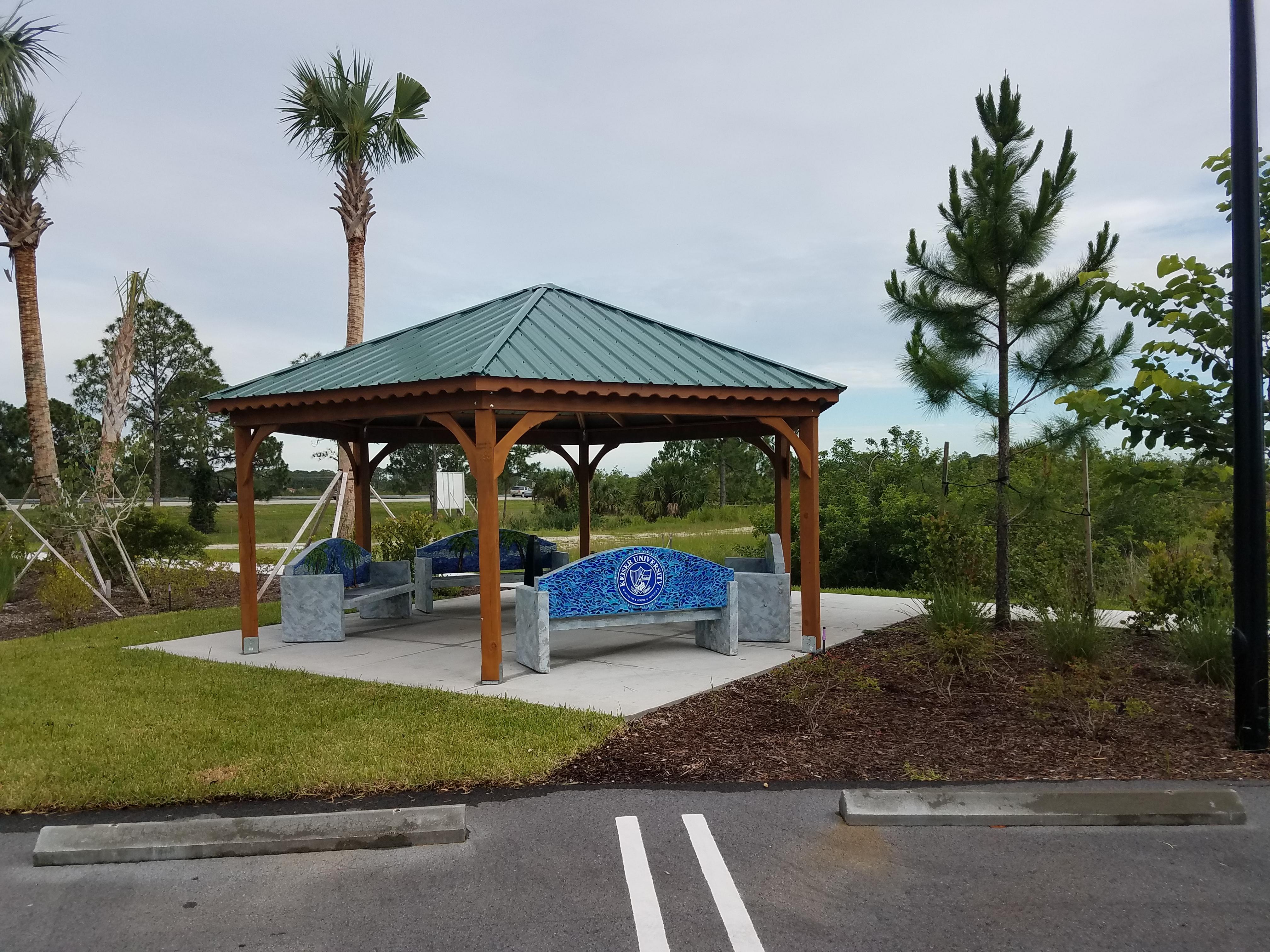 18x18 Hexagon Pavilion at Keiser University Florida