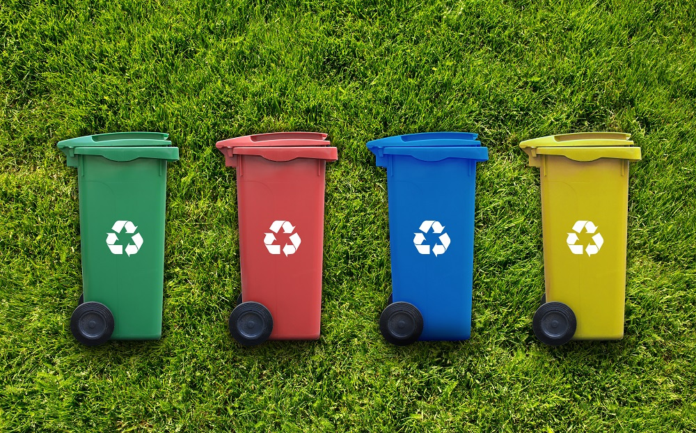 Rolling waste containers