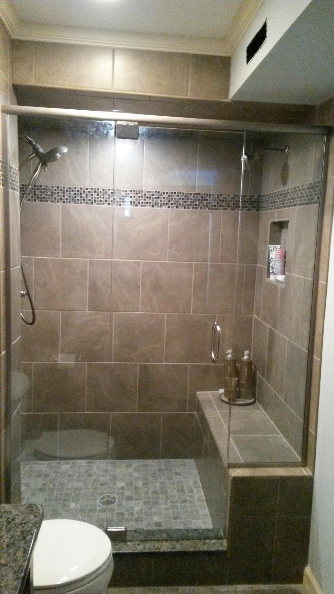 https://0201.nccdn.net/4_2/000/000/04d/add/Shower-door-custom-frameless-with-2-sidelites-KMoore.jpg