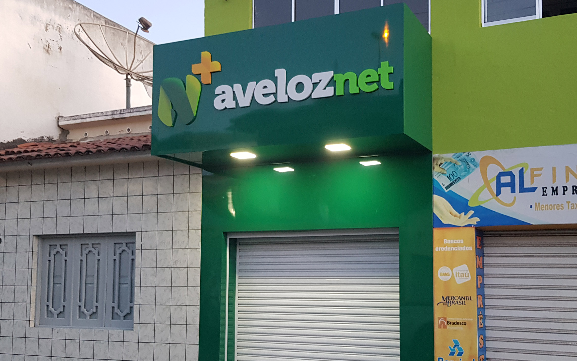 https://0201.nccdn.net/4_2/000/000/04d/add/atelier2---aveloz-net-1.jpg