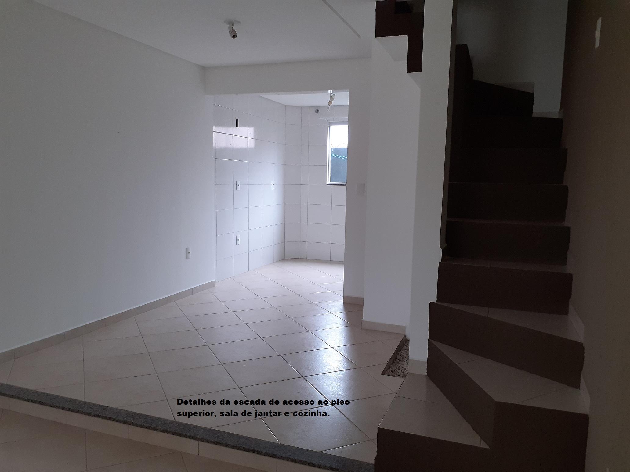 https://0201.nccdn.net/4_2/000/000/050/773/004-Escada-e-sala-jantar-2064x1548.jpg