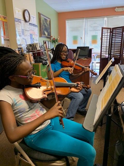 Aspiring Violinists