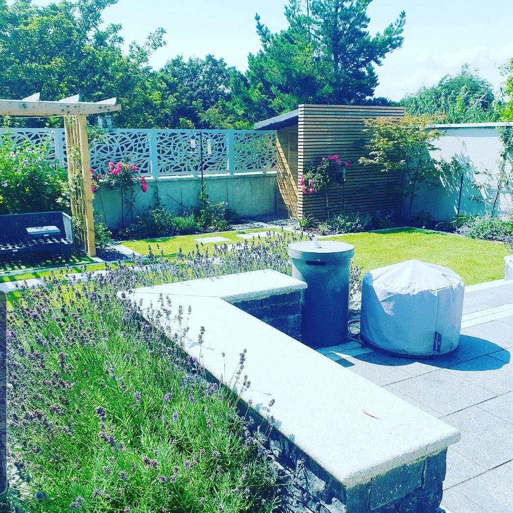 Warm and Welcoming Garden Design