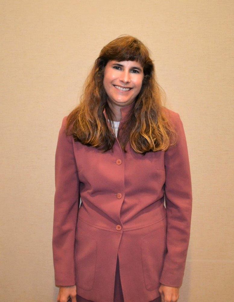 https://0201.nccdn.net/4_2/000/000/050/923/Linda-Billingsley-DoD-Representative-_6936_pp-776x1000.jpg