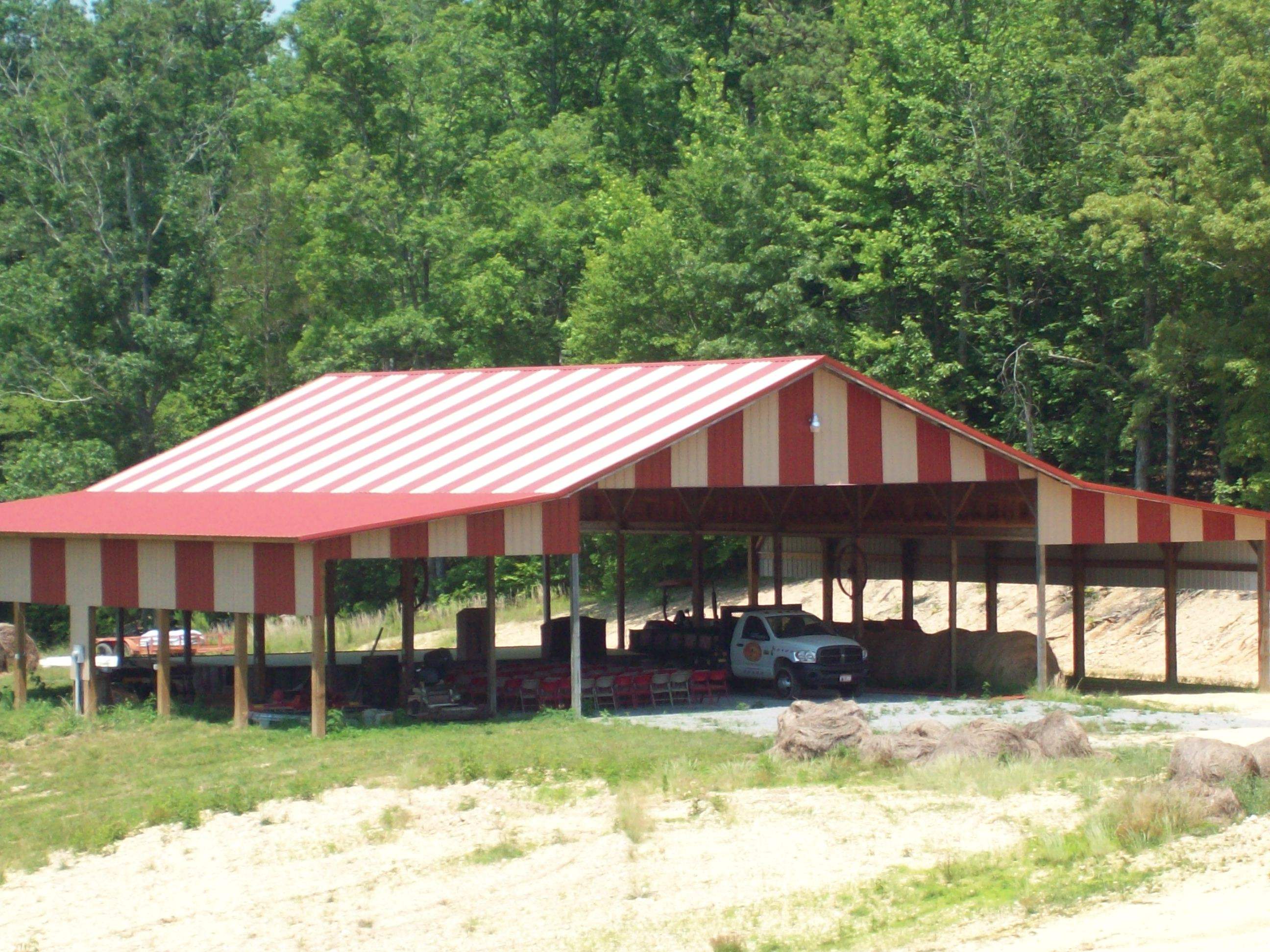 Farm Tent With Roof