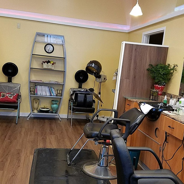 Our Fully Equipped Salon