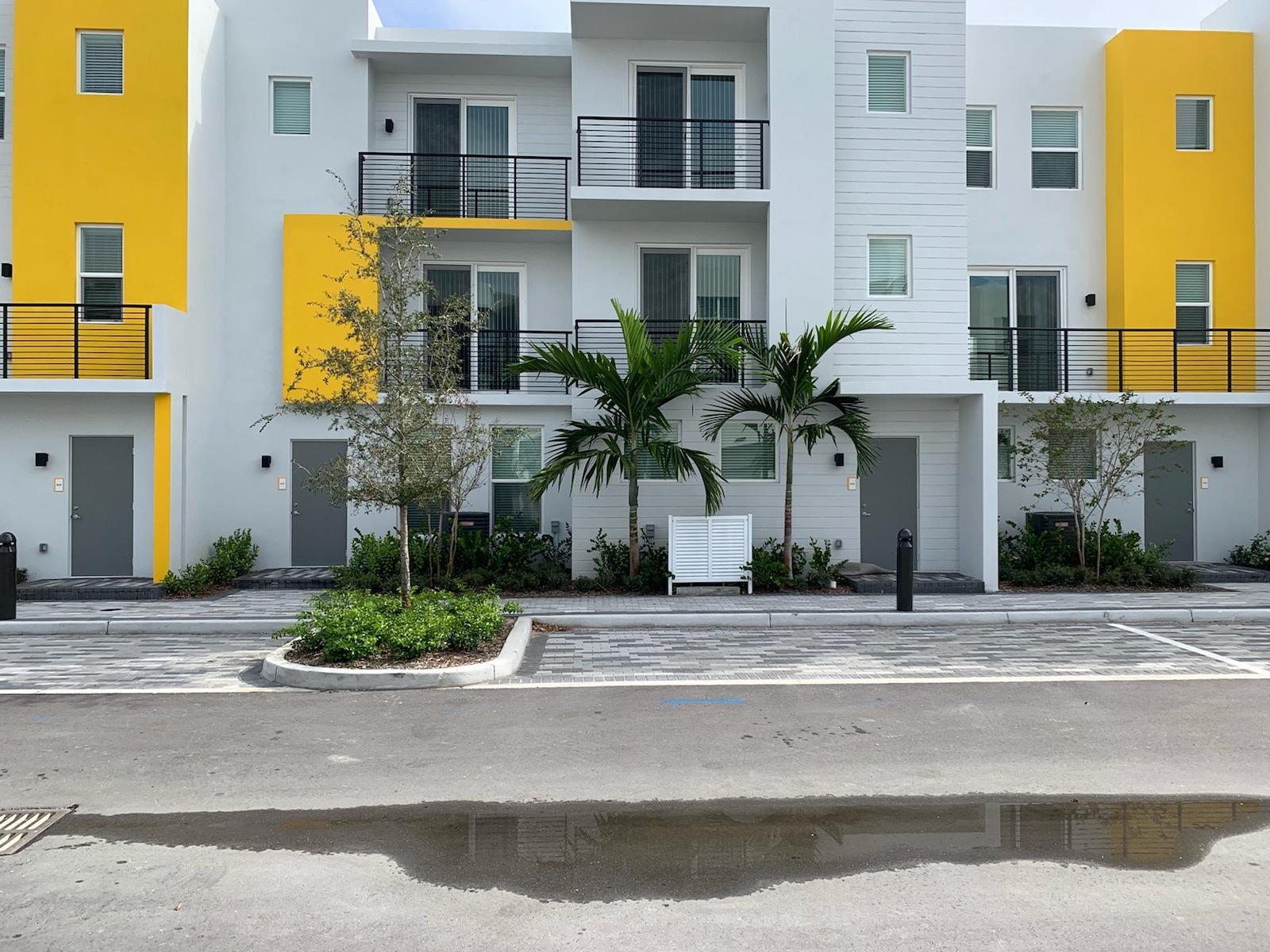 APOC Townhomes, Boca Raton