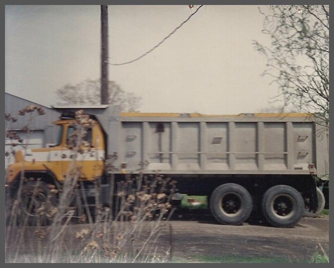 Heavy duty hauling truck||||