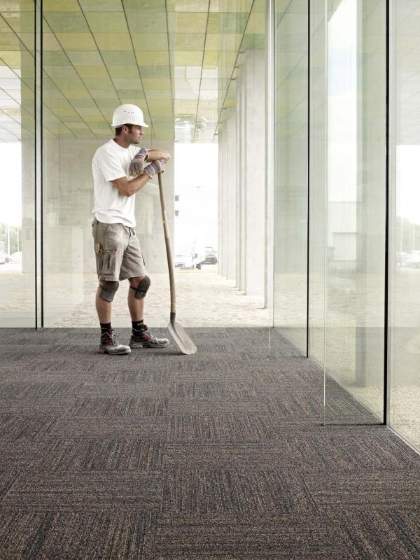 In-groove se ha desarrollado para reducir la concentración de polvo fino en el aire.  Gracias al grosor y a la estructura de cuadrícula del hilo, captura y retiene mejor el polvo,   Ideal para oficinas, colegios y zonas con mucho tránsito, tales como vestíbulos y pasillos.