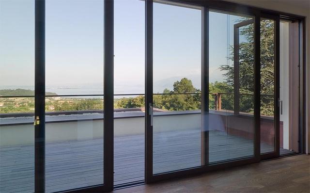 https://0201.nccdn.net/4_2/000/000/056/7dc/mantenimiento-ventanales-aluminio-puertas-640x398.jpg