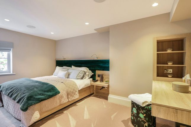 https://0201.nccdn.net/4_2/000/000/057/fca/interior-desing-domestic-bedroom-1.jpg