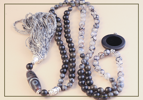 Black and White Mala