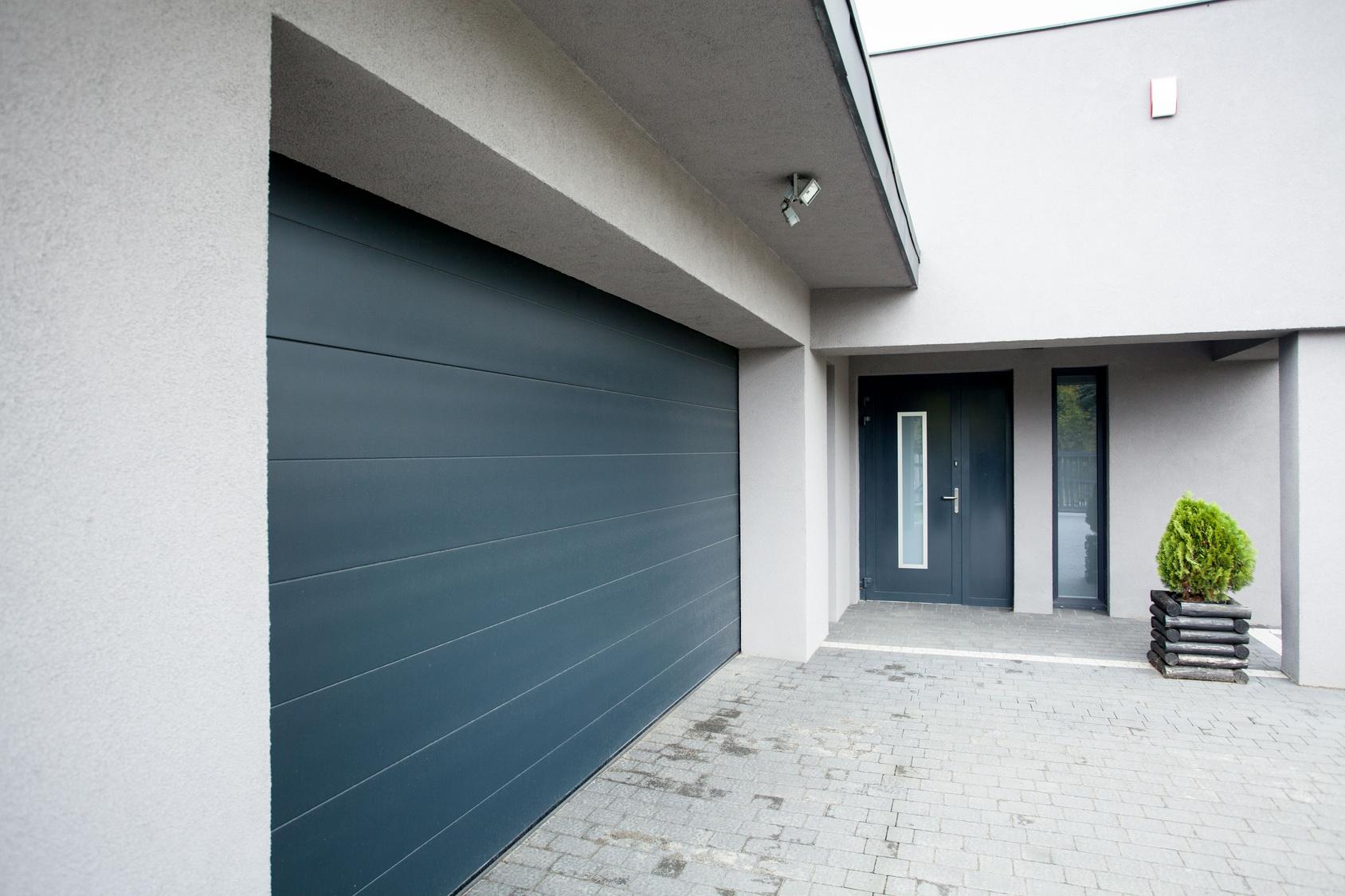 Garage door in Lansing MI