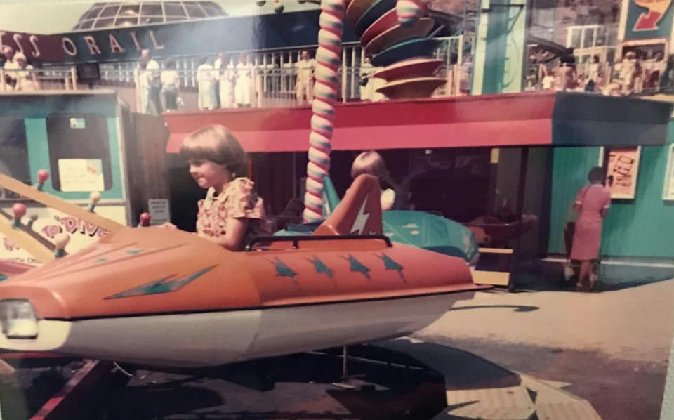 https://0201.nccdn.net/4_2/000/000/05e/0e7/Susan-at-Pleasure-Beach-as-a-kid.jpg