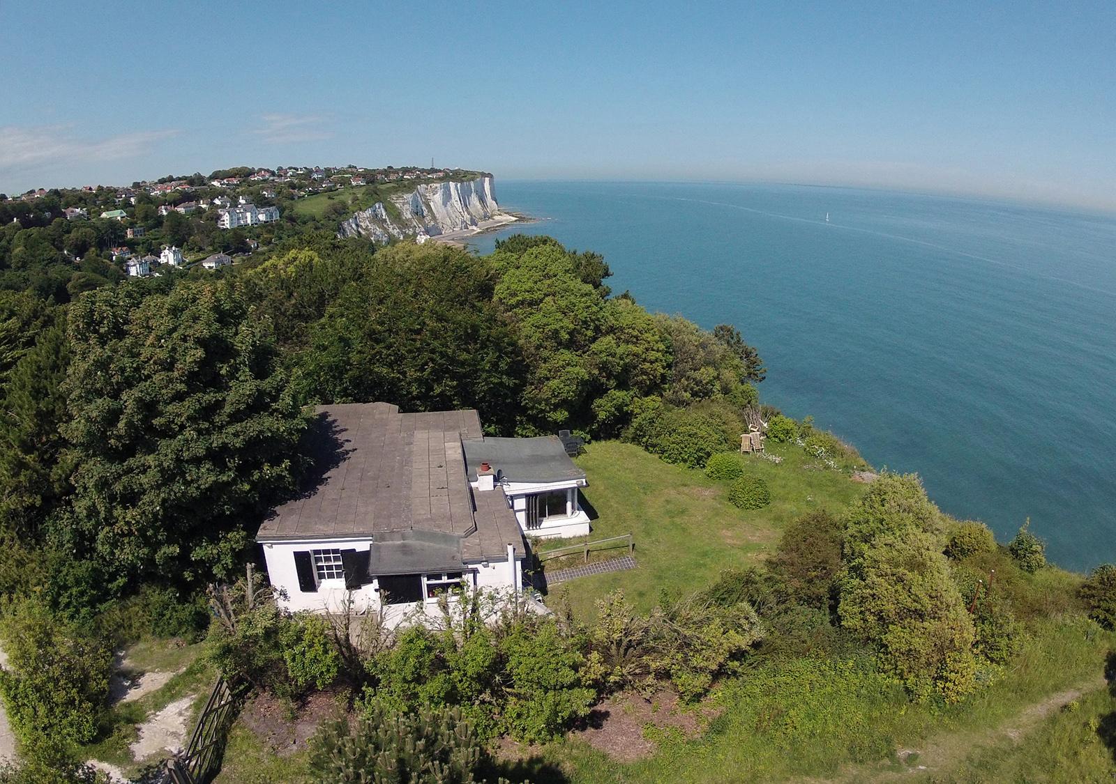 https://0201.nccdn.net/4_2/000/000/05e/0e7/aerial-sea-view--2012.jpg
