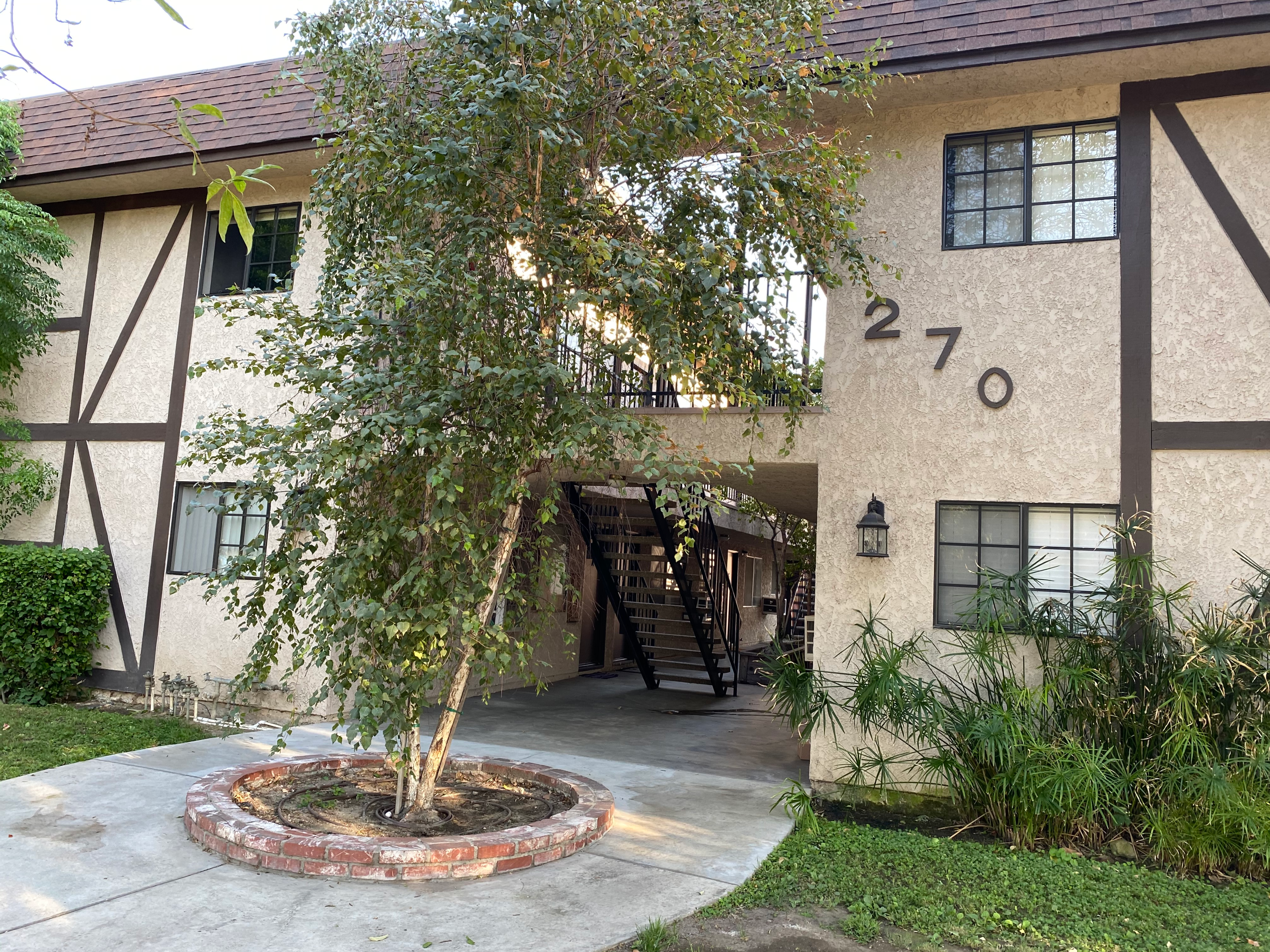 270 W. Elmwood Unit M. Burbank CA 91502