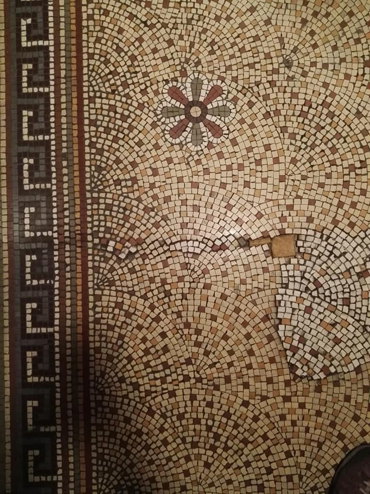 https://0201.nccdn.net/4_2/000/000/064/d40/Blackpool-Town-Hall-tiled-floor-720x960.jpg