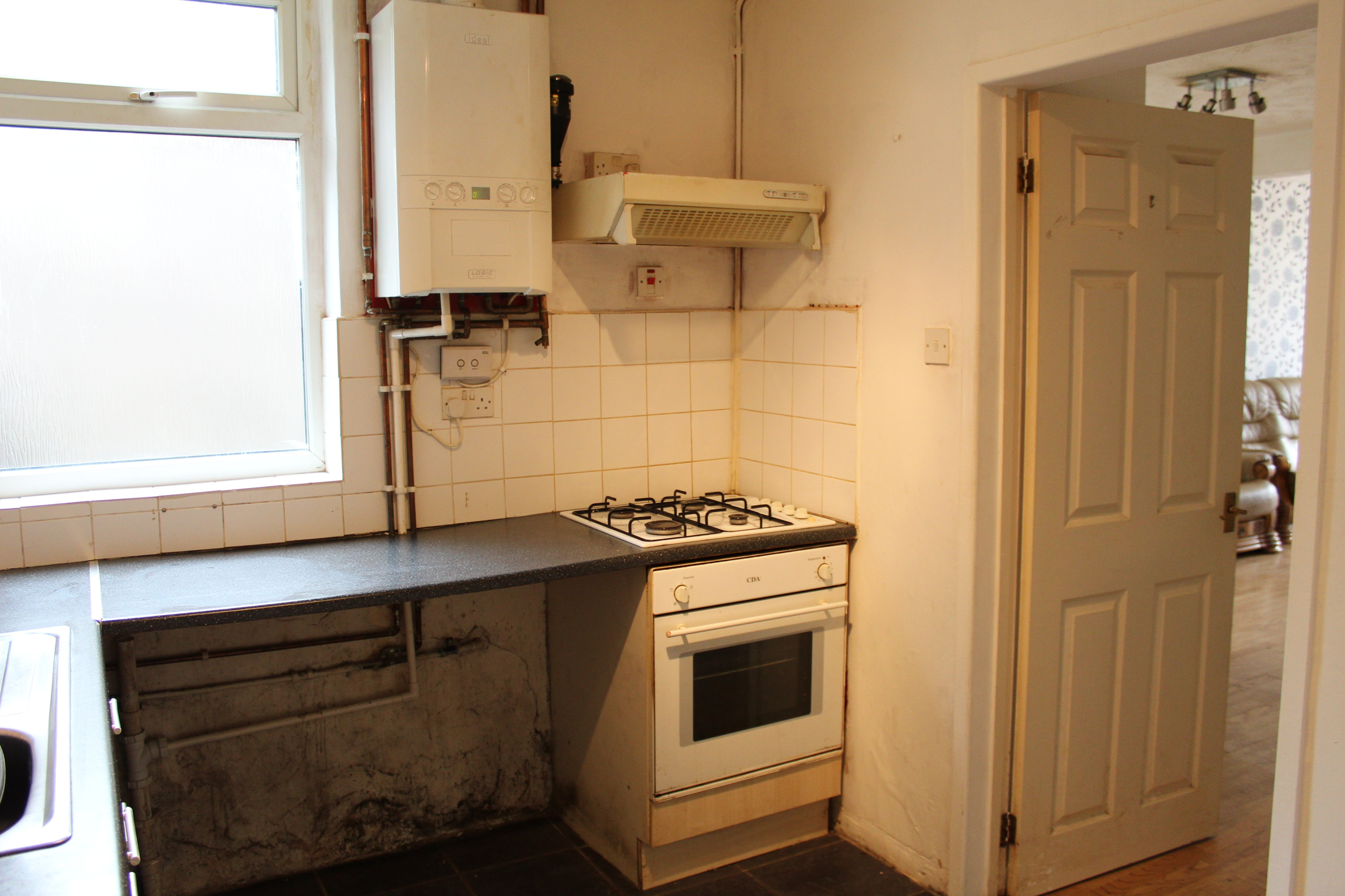 https://0201.nccdn.net/4_2/000/000/064/d40/kitchen1.jpg