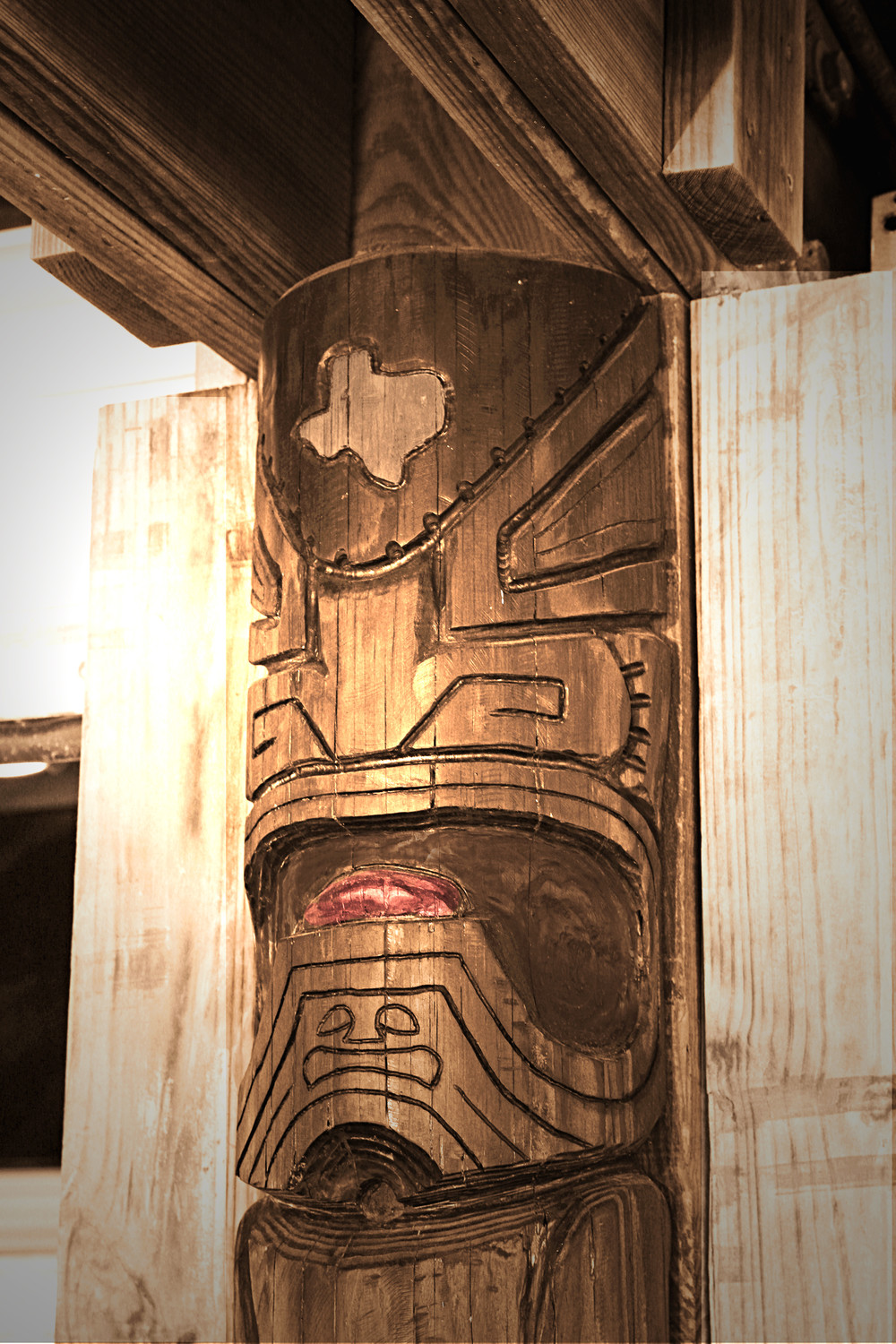 wall mounted tiki
