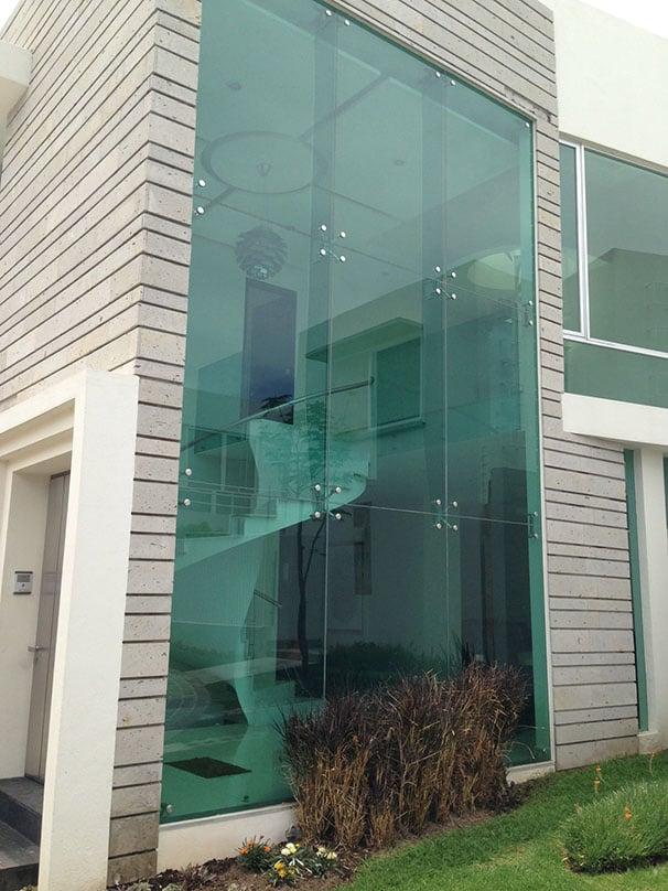 Vidrios y Aluminios del Pueblo - Fachada de cristal