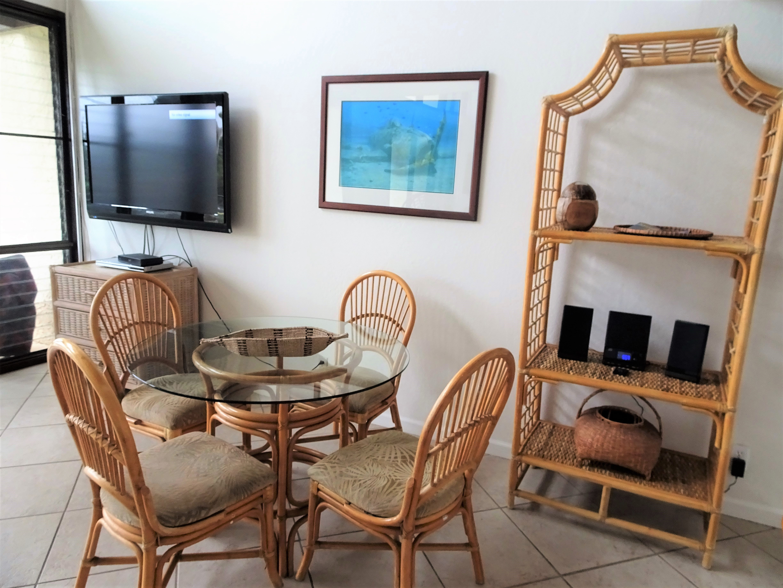 C25 Dining room
