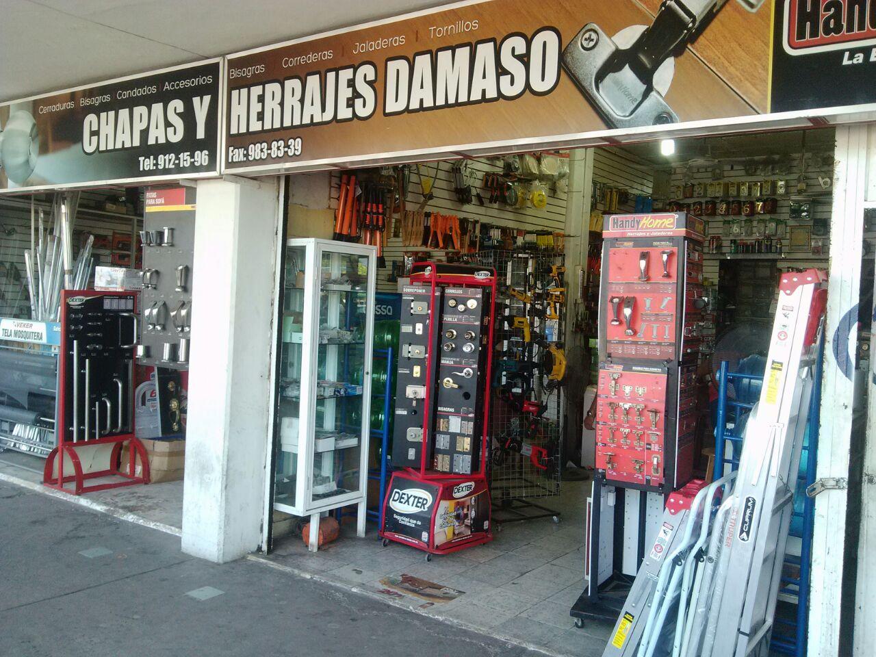 """SUCURSAL """"DAMASO CHAPA Y HERRAJE"""" EN PLAZA LEY EL MAR"""