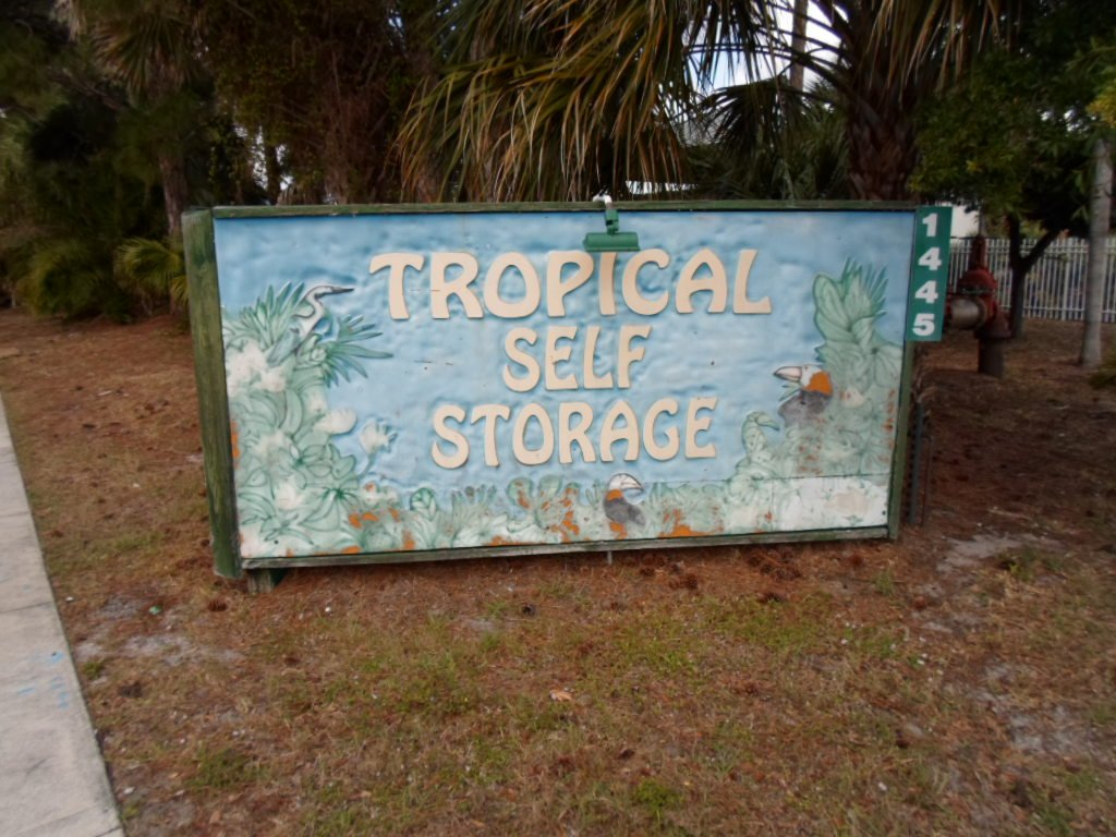 Tropical Self Storage main sign||||