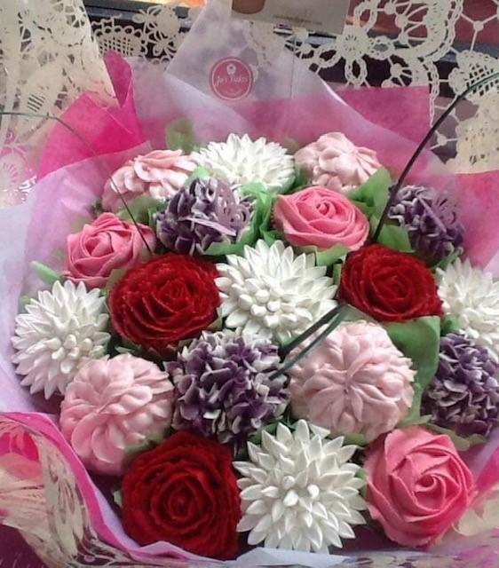 https://0201.nccdn.net/4_2/000/000/06c/bba/bouquet1.png