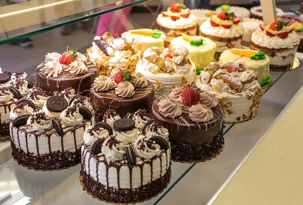 https://0201.nccdn.net/4_2/000/000/06c/bba/cakes-min.jpg