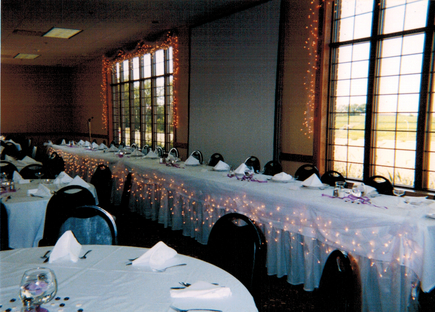 Fruechte Room - lighted dais