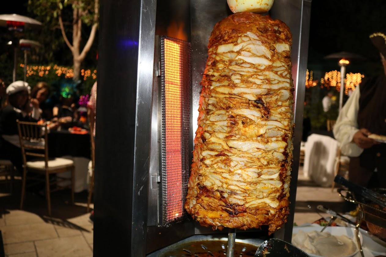 https://0201.nccdn.net/4_2/000/000/06c/bba/shawarma-set-up-1.JPG